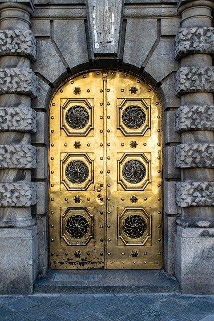 Portal Door Gold Golden Door  - Coernl / Pixabay